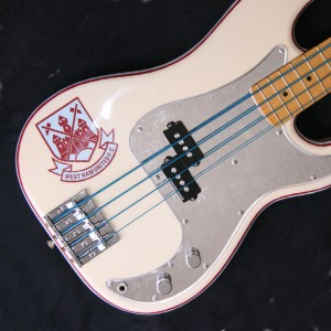 06 Iron Maiden Replica Bass